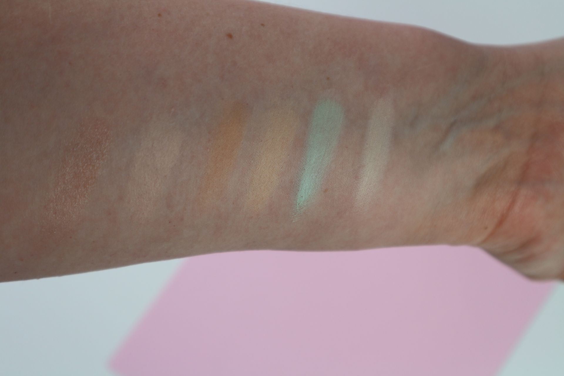 Swatches der Coulourcorrecting-Farben