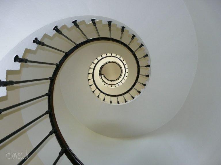 Leuchtturm-Treppe