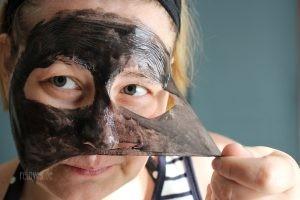Montagne Jeunesse Peel-Off Maske mit schwarzen Meeresalgen