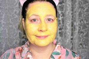 Anwendung L´Oreal Tonerde Glow Maske