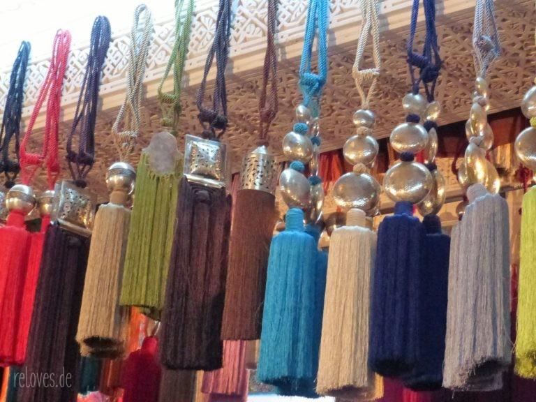Toddeln in einem Geschäft in Fes - Marokko