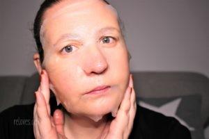Anwendung der Garnier SkinActive Fresh Mix Tuchmaske
